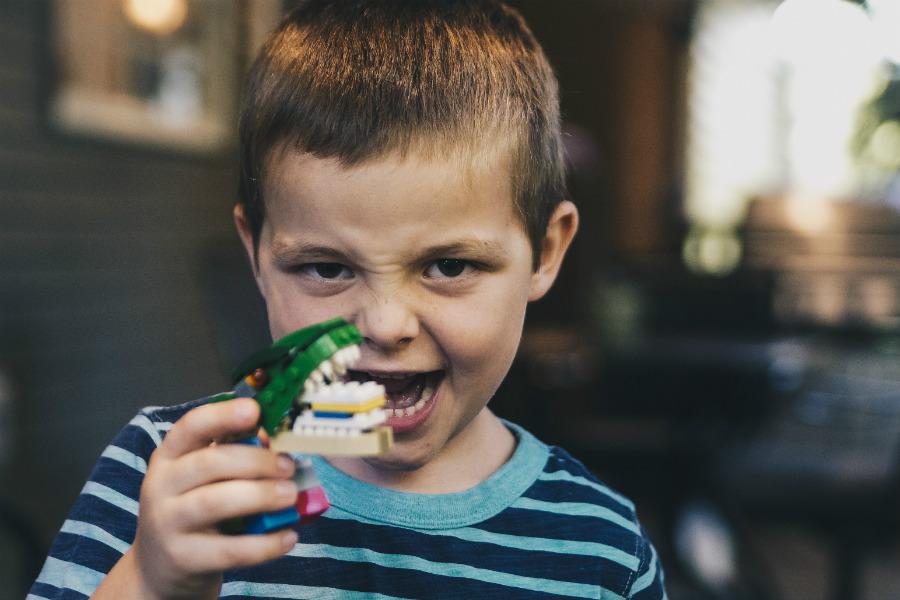 Escovar os dentes dos seus filhos